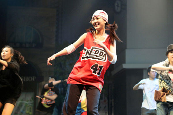 英国达人秀街舞少年图片
