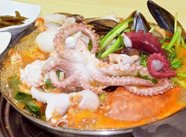 东大门美食店东海海鲜汤